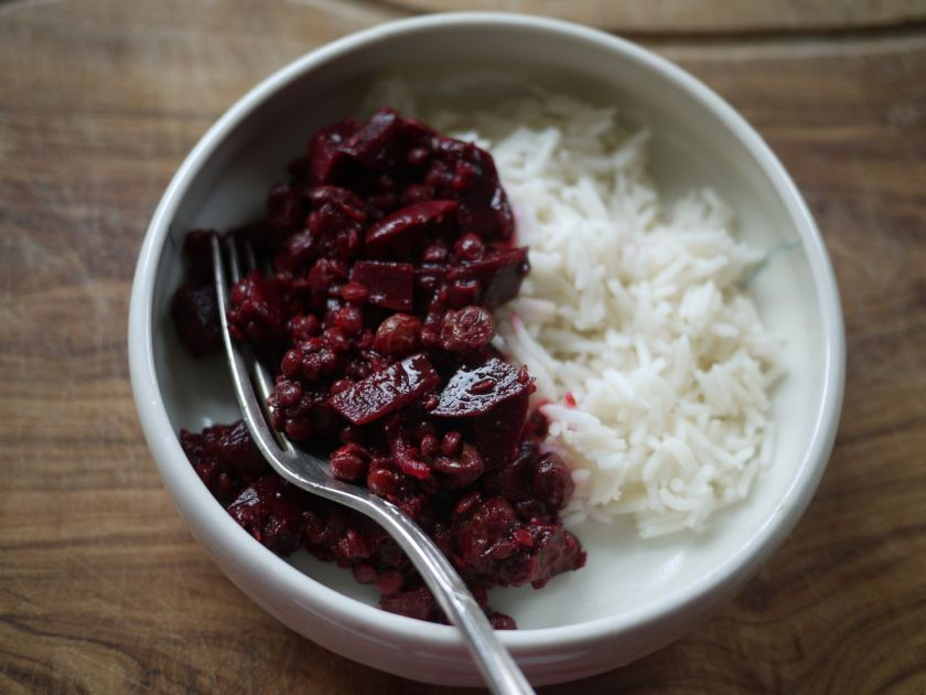 Beetroot, Lentil and Raisin Stew
