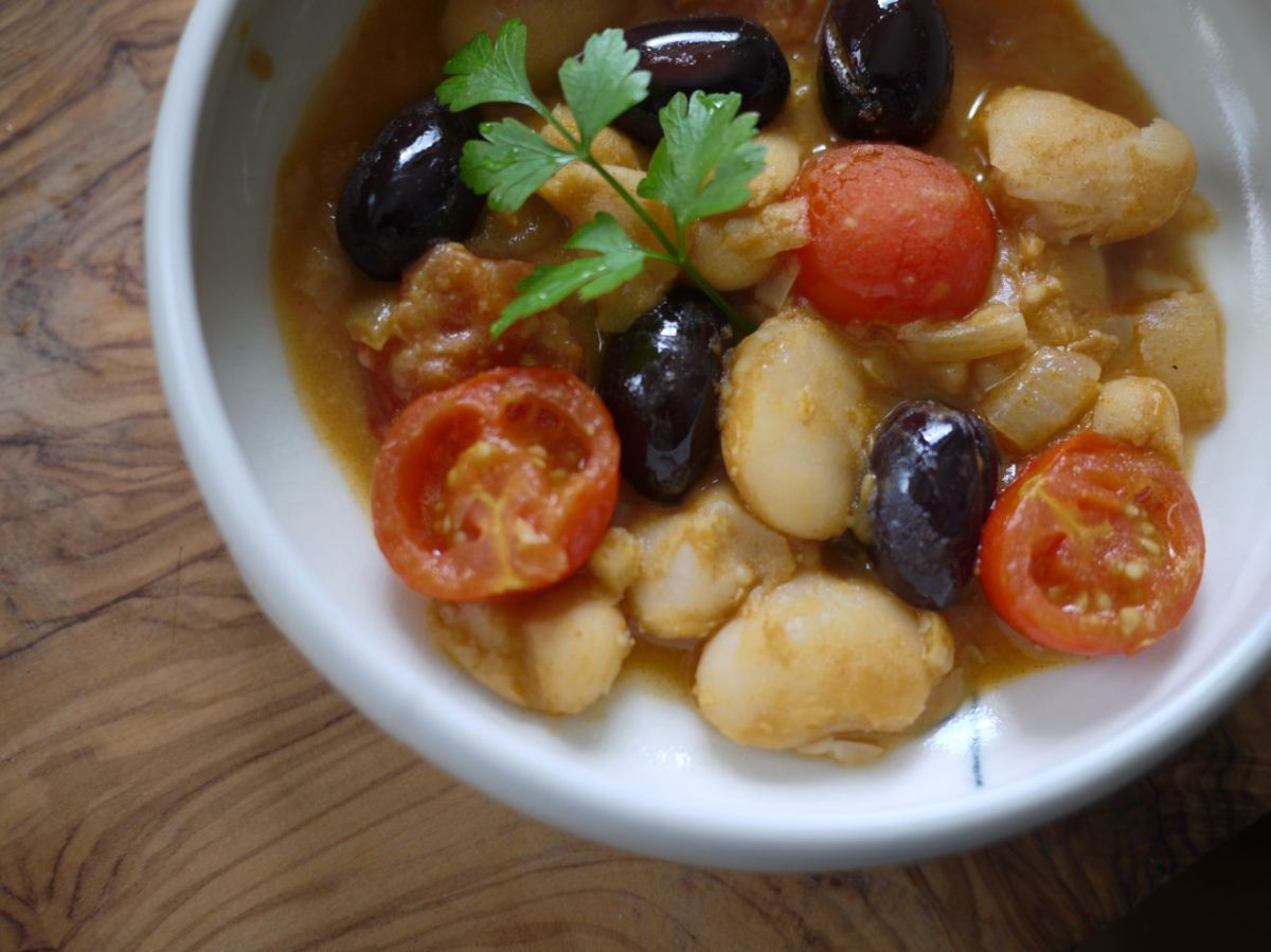 Butter Beans with Olives and Cherry Tomatoes